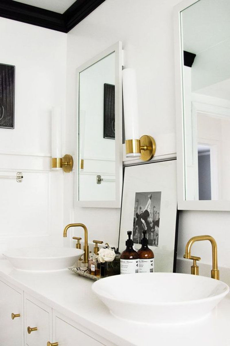 Design Files: 16 Bathrooms That Get Gold Hardware Right ...