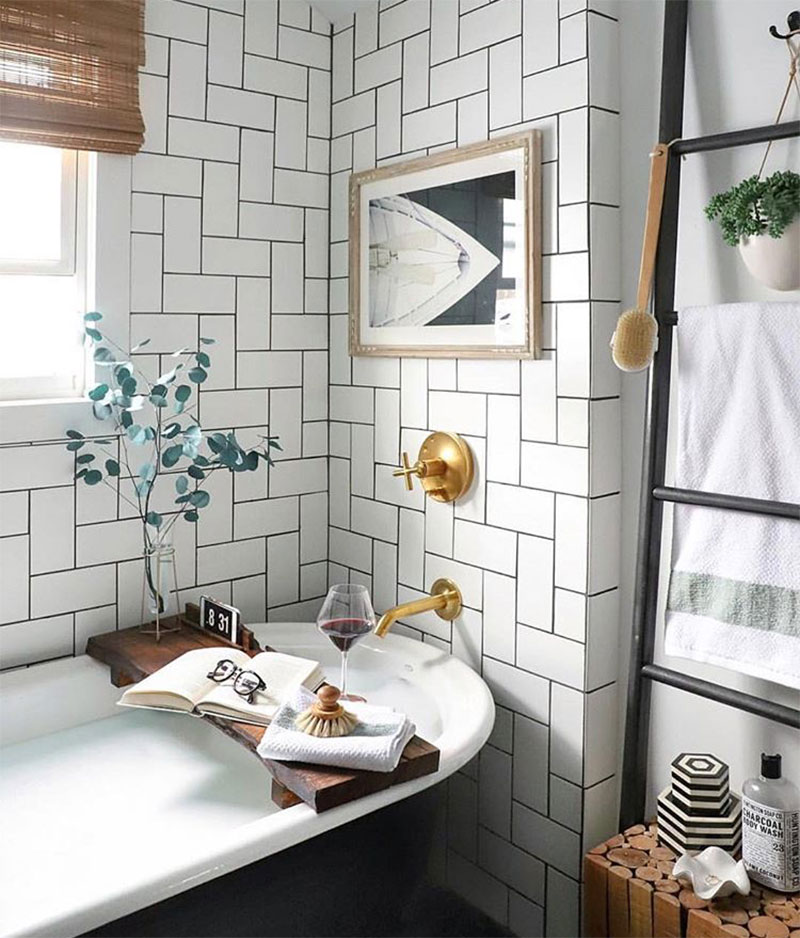 Small Bathroom Decor Tumblr: 16 Bathrooms That Get Gold Hardware Right