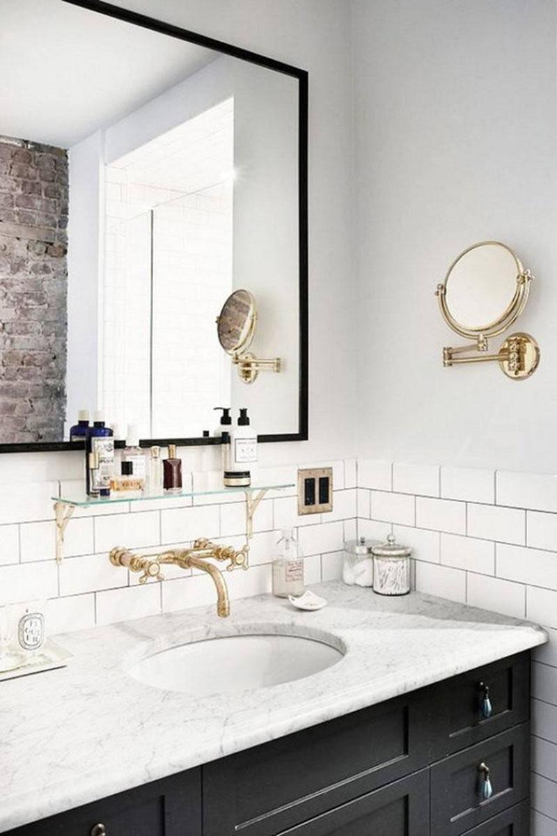 Design Files: 16 Bathrooms That Get Gold Hardware Right – Elizabeth ...